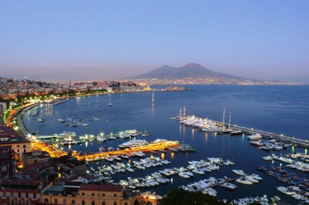 Vista dalla terrazza sul golfo di Napoli